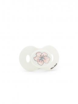 Elodie Details tutti kauniilla kukkakuviolla. Tuttiosa on silikonia. Tutti ei sisällä BPA:ta ja se on valmistettu Ruotsissa eurooppalaisen turvastandardin EN-12586 mukaisesti.