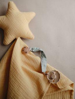 Mushien Lovey -viltti on suloinen, pehmoinen ja rauhoittava viltti, jossa on lelu.