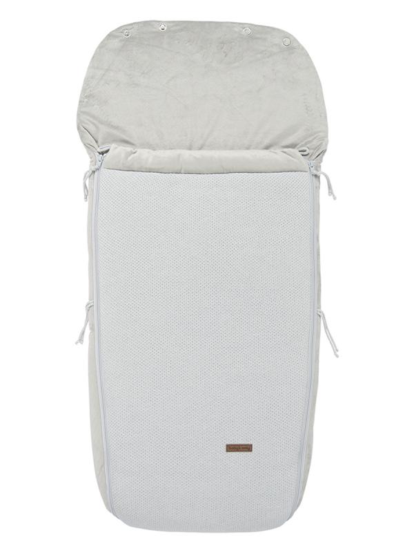 Rattaisiin suunniteltu isokokoisempi lämpöpussi. Lämpöpussi pitää lapsen lämpimänä pidemmilläkin ratasreissuilla sekä lapsen nukkuessa rattaissa. Lämpöpussissa kätevä vetoketju, jonka saa helposti auki ja raolleen.  Lämpöpussissa on aukot viisipistevaljaille. Lämpöpussi sujahtaa kaikkiin ratasmalleihin täydellisesti paikoilleen.