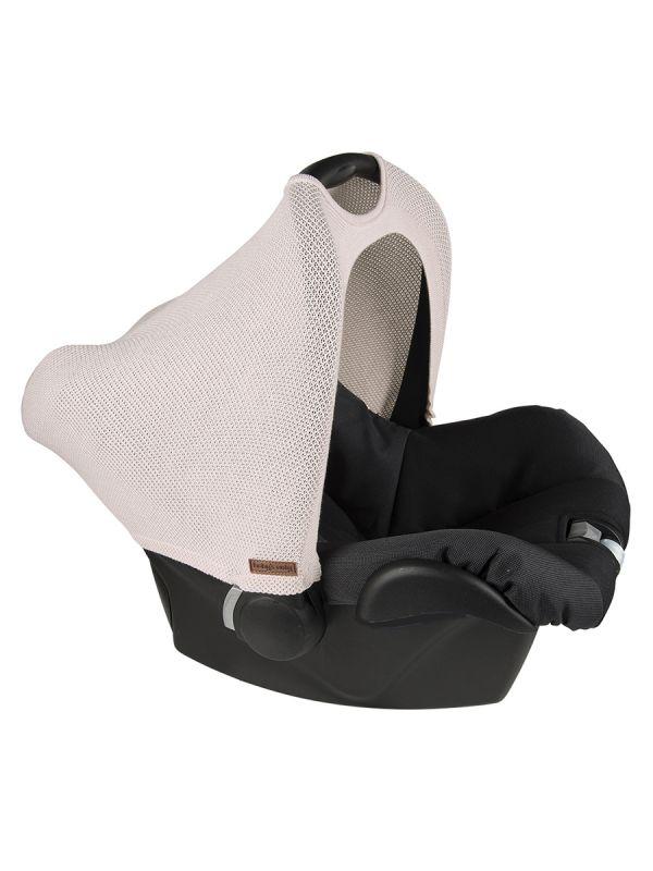Baby´s Only turvakaukalon kuomu tuo luksusta turvakaukalon ulkonäköön sekä suojaa vauvaa ympäristön melulta, auringon paahteelta sekä tuulelta ja tuiskulta.