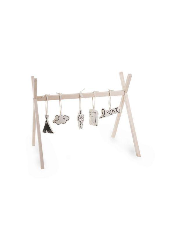 Tyylikkään skandinavinen ja pelkistetty puinen Childhome Tipi Play leikkikaari vauvalle. Saat leikkikaareen ripustettua vauvan omia suosikkileluja.