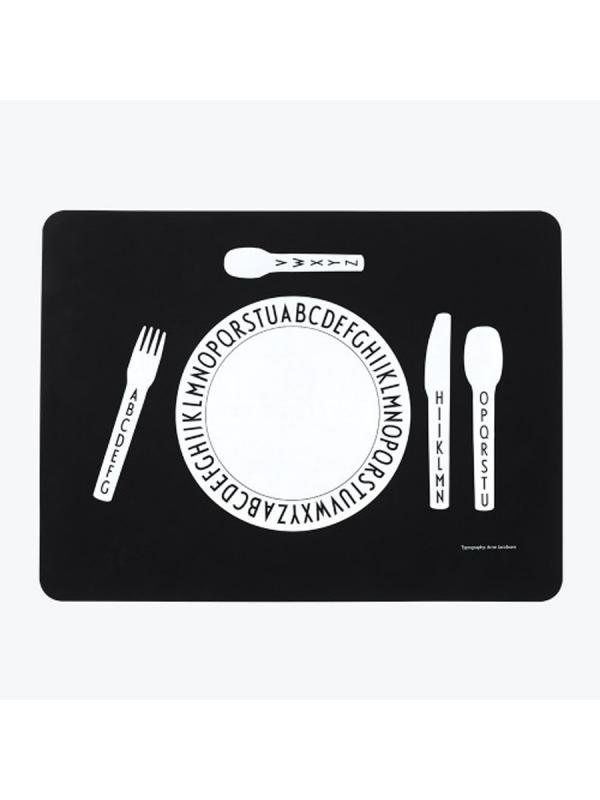 Design Letters lasten ruokailualusta - syö ja opettele aakkosia samaan aikaan.