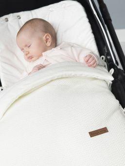Baby´s Only classic silver-grey lämpöpussi on arjenhelpottaja. Lämpöpussin ansiosta vauvaa ei tarvitse riisua ja pukea jatkuvasti, vaan voit laittaa vauva lämpöpussiin päivävaatteilla.