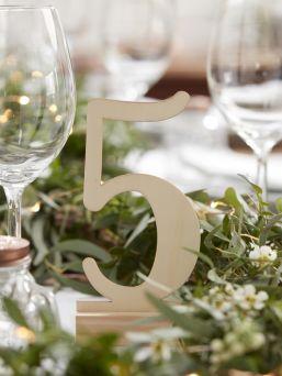 Upeat ja tyylikkäät Ginger Ray puiset numerot vauvan kuvauksiin tai syntymäpäiväjuhliin.