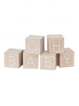 Oh Baby! puiset palikat vauvanhuoneeseen tai vauvajuhlien koristeeksi. Palikoihin vieraat voivat jättää pieniä tervehdysviestejä muistoiksi.