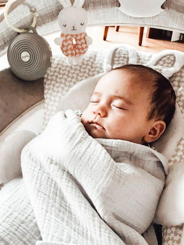 Hushh White Noise kaiutin vauvalle   Yogasleep
