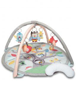 Leikkikaari sisältää 17 aktiviteettia, jotka tukevat lapsen kehitystä ja oppimista. Viisi roikkuvaa lelua, johon lapsi pystyy helposti tarttumaan. Leikkimattoon on upotettu vauvaturvallinen pehmeä peili ja muita yllätyksiä. Leikkikaari on helppo koota, asennuksessa kestää vain 2-4 minuuttia.