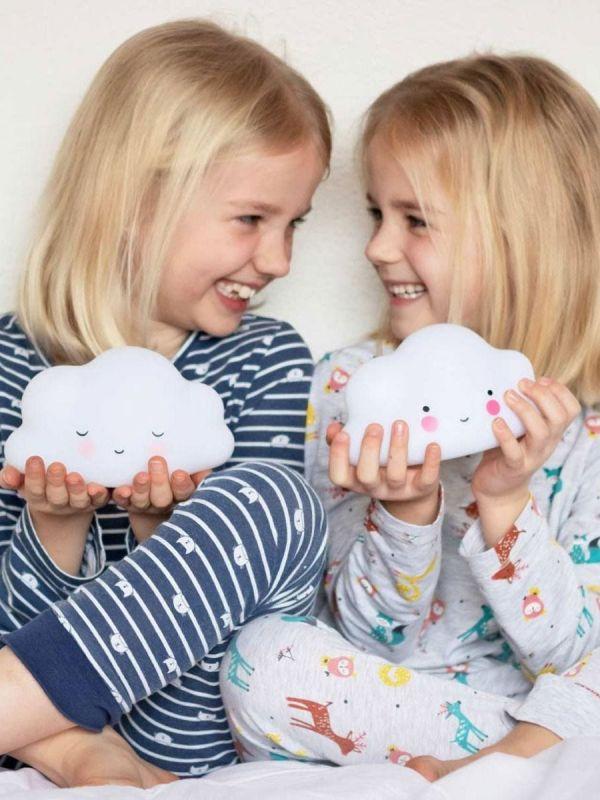 a little lovely company Upea pilvivalaisin lastenhuoneeseen yövaloksi.