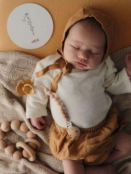 Mushie Milestone -sarjan kuvauskortit joilla ikuistat somekuviisi tärkeät etapit niin raskaus- kuin vauva-ajalta. Korttien takana tilaa omille ajatuksille ja vauvan mitoille.
