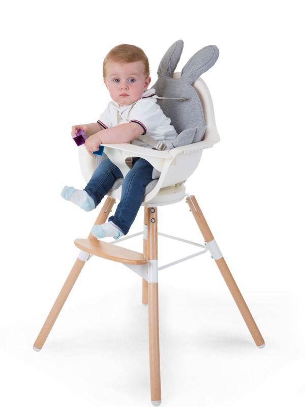 Suloinen Childhome syöttötuolin pupunkorva istuintyyny. Täydellinen syöttötuoliin sekä sopii myös sitteriin, vaunuihin ja rattaisiin. Istuintyynyssä turvallinen turvavyö.