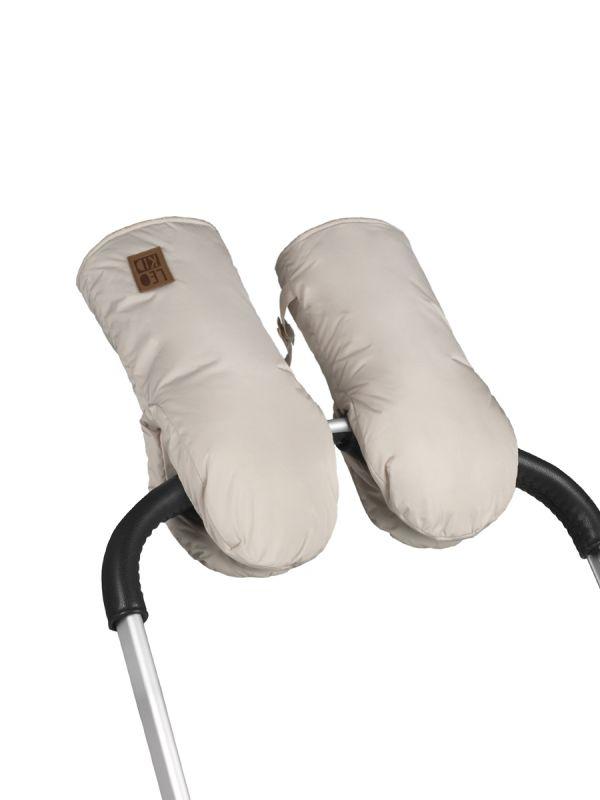 Leokid vaunurukkaset pitävät vanhemman sormet lämpöisinä kovillakin pakkasilla. Kiinnitä hanskat vaunujen kahvaan ja sujauta kädet lämpöiseen.