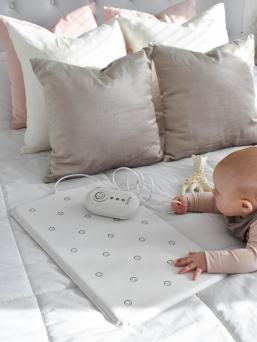 Nanny kätkythälytin on turvallinen, laadukas ja helppokäyttöinen vauvan hengityksen valvontaan suunniteltu laite, joka hälyttää äänekkäästi mikäli vauvan hengitystiheys laskee alle 8 hengitystä/min tai jos vauva on hengittämättä 20 sekuntia. Aikainen hälytys antaa vanhemmille mahdollisuuden herätellä lasta, antaa ensiapua ja kutsua apua paikalle.