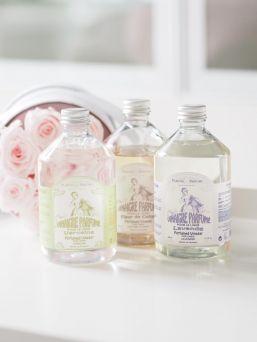 Ekologista pyykkäämistä - raikas Plantes & Parfums pyykkietikka perinteisen huuhteluaineen sijalle. Kokeile ja ylläty pyykkietikan tehokkuudesta. Pyykkietikaa käyttämällä saat haisevat pyykkiainesaostumat pysyvästi pois pesukoneestasi. Itse huomasin tämän eron ensimmäisellä käyttökerralla. Sopii myös herkkäihoisten vauvojen ja lasten vaatteiden ja kestovaippojen pesuun.