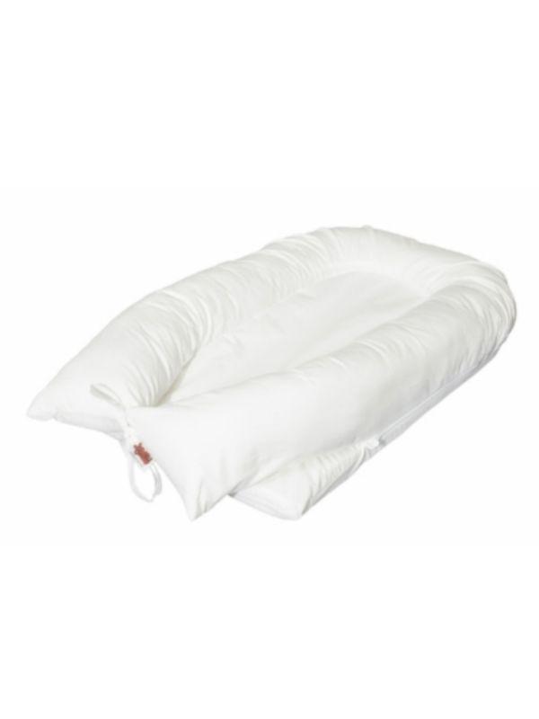 Rauhoittava vaaleansävyinen Premium vauvan unipesä, jossa on irroitettava päällinen ja tukeva pohja. Vauvan unipesä valmistettu pehmeästä puuvillasta, joka on ihanan pehmeää vauvan iholle. Unipesä auttaa vauvaa nukahtamaan ja rauhoittaa vauvan unia kohtumaisella tunteella. Kotimainen tuote.