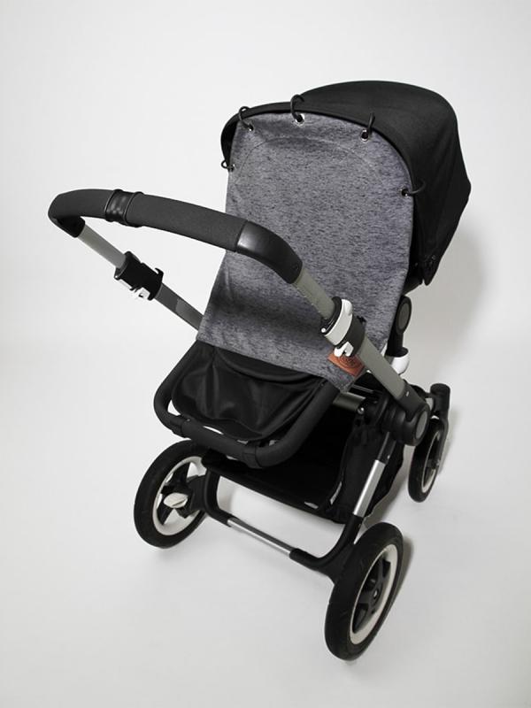 Kiinnittämällä Baby Wallaby suojaverhon vaunukopan tai rattaiden kuomuun, saat vauvan suojaan liian kirkkaalta valolta ja tuulelta. Vauva nukkuu näin vaunuissa rauhallisesti.!